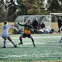 1st year forward, Grace Miller (8) of the Regina Cougars during the Women's Soccer home game on Sun Oct 14 at U of R Field. Credit: Arthur Ward/Arthur Images