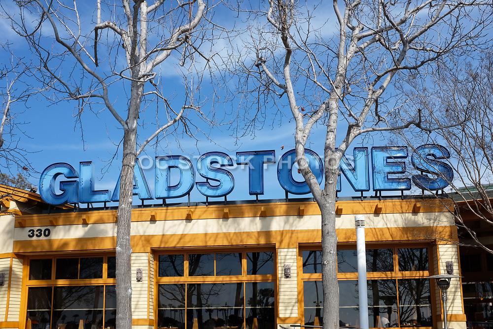 Gladstone's Restaurant Signage