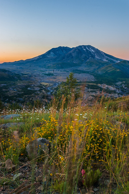 Mt St Helens, 2005, Sun rise