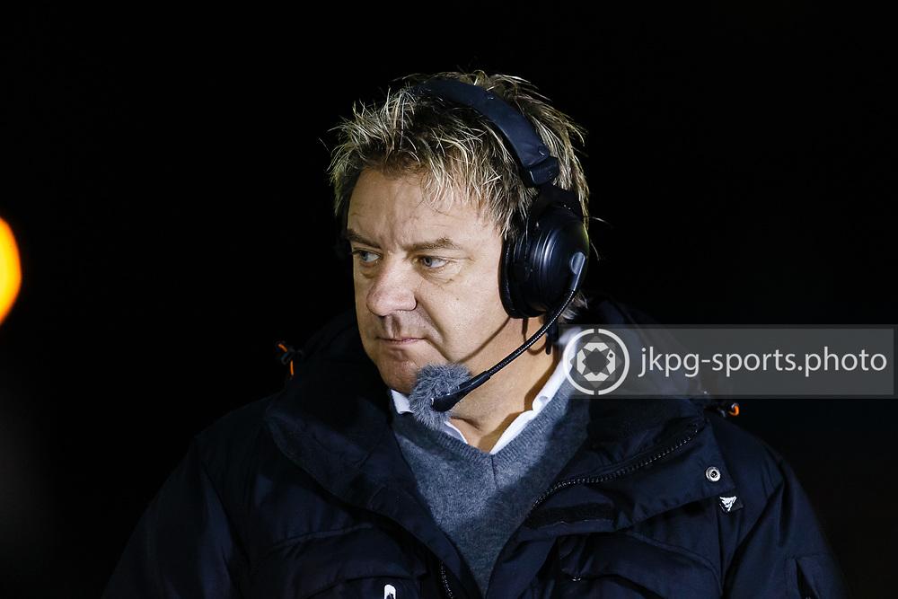 150916 Speedway, SM-final, Vetlanda - Indianerna<br /> TV-kommentator Johan Ejeborg, Csport.<br /> Speedway, Swedish championship final,<br /> <br /> &copy; Daniel Malmberg/Jkpg sports photo