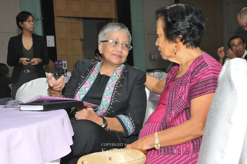 Peace Secretary (Office of the Peace Commisioner ) Ging Deles and former Ambassador Leticia Shahani at the RH Bill Logo launch, Manila, Philippines