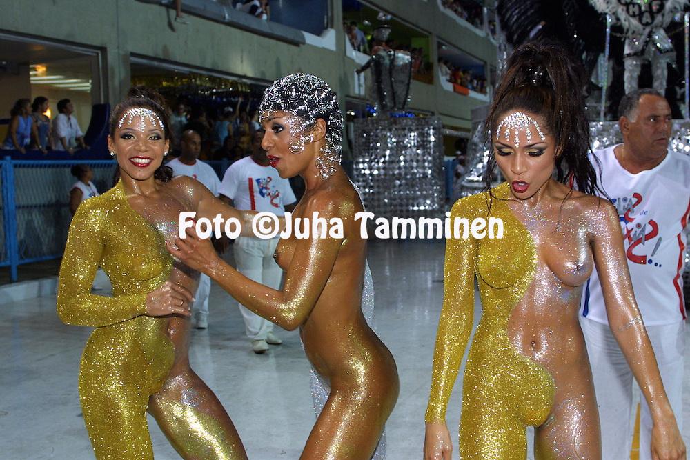 10.02.2002, Rio de Janeiro, Brazil..Carnaval 2002 - Desfile das Escolas de Samba, Grupo de Acesso A / Carnival 2002 - Parades of the Samba Schools..Desfile de / Parade of:  GRES Uni?o da Ilha do Governador.©Juha Tamminen