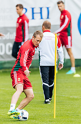 31.05.2016, Steinbergstadion, Leogang, AUT, UEFA Euro, Frankreich, Vorbereitung Ungarn, Training, im Bild Adam Lang (HUN) // Hungarian national team player Adam Lang during a training session at the Trainingscamp of Team Hungary for Preparation of the UEFA Euro 2016 France at the Steinbergstadion in Leogang, Austria on 2016/05/31. EXPA Pictures © 2016, PhotoCredit: EXPA/ JFK