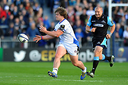Nick Auterac of Bath Rugby passes the ball - Photo mandatory by-line: Patrick Khachfe/JMP - Mobile: 07966 386802 18/10/2014 - SPORT - RUGBY UNION - Glasgow - Scotstoun Stadium - Glasgow Warriors v Bath Rugby - European Rugby Champions Cup