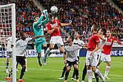 ALKMAAR - 27-08-15, Europa League,  2e voorronde,  AZ  - Astra GiurGiu, AFAS Stadion, AZ speler Markus Henriksen (4vl), Astra speler Silviu Lung.