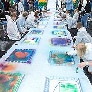 NLD/Almere/20170831 - Bekendmaking Het Huis van stichting Het Vergeten Kind, ingekleurde loper