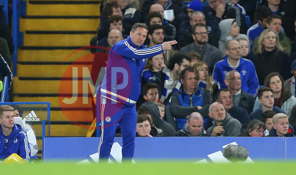 Chelsea Assistant Manager, Steve Holland - Mandatory byline: Paul Terry/JMP - 07966 386802 - 19/12/2015 - FOOTBALL - Stamford Bridge - London, England - Chelsea v Sunderland - Barclays Premier League