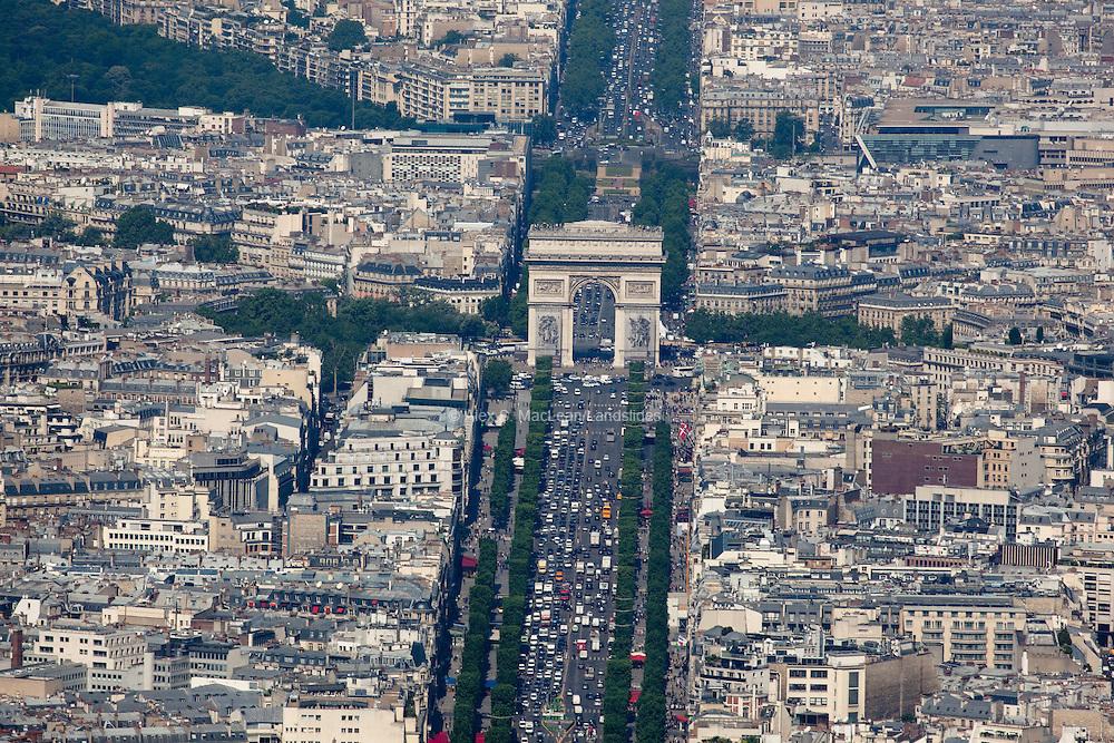 Arc de Triomphe and the western end of the Champs-Élysées.