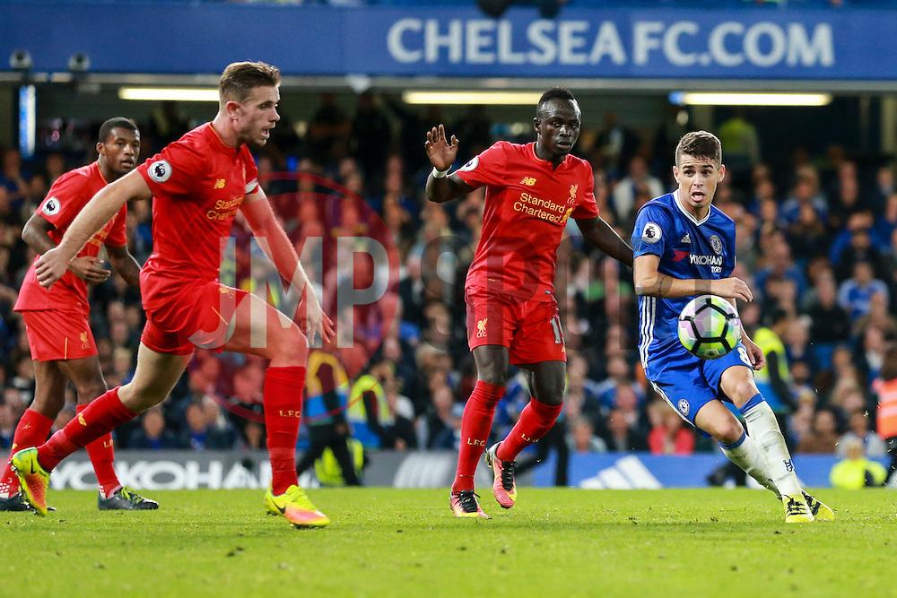 Oscar of Chelsea in action - Mandatory by-line: Jason Brown/JMP - 16/09/2016 - FOOTBALL - Stamford Bridge - London, England - Chelsea v Liverpool - Premier League