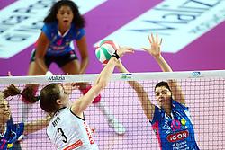 03-05-2017 ITA: Igor Gorgonzola Novara - Liu Jo Volley Modena, Novara<br /> Final playoff match 2 of 5 / BELIEN YVON en  CHIRICHELLA CRISTINA<br /> <br /> ***NETHERLANDS ONLY***