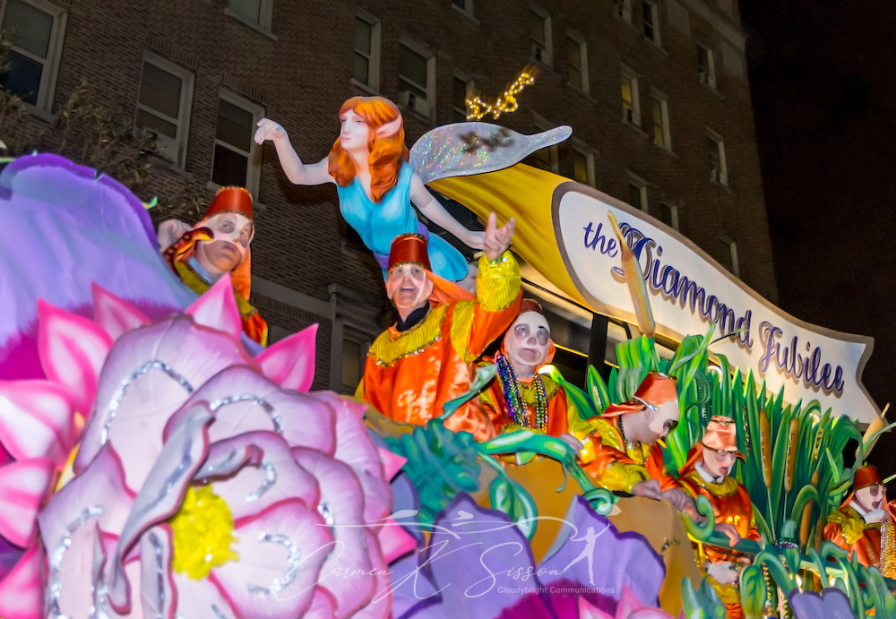 A float rolls down St. Charles Avenue at the Krewe of Hermes Mardi Gras parade at Lee Circle, Feb. 28, 2014, in New Orleans, Louisiana. (Photo by Carmen K. Sisson/Cloudybright)
