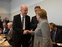 DEU, Deutschland, Germany, Berlin, 09.10.2018: Der CDU/CSU-Fraktionsvorsitzende Ralph Brinkhaus und Bundeskanzlerin Dr. Angela Merkel vor Beginn der Fraktionssitzung der CDU/CSU.