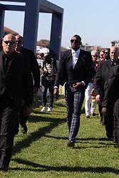 Usain Bolt arrives at the Sun Met. Celebs at tThe Met Races