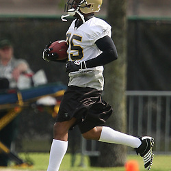 2008 May 21: New Orleans Saints running back Reggie Bush runs during team organized activities at the Saints training facility in Metairie, LA. .