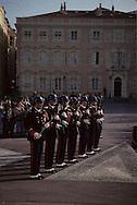National museum automatons of the 19th    les carabiniers sur la place du palais  R12/167      /  P0003941