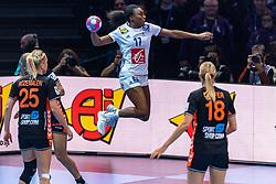 14-12-2018 FRA: Women European Handball Championships France - Netherlands, Paris<br /> Second semi final France - Netherlands / Allison Pineau #7 of France