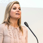 Koningin Maxima bezoekt Nibud Jubileumcongres in haar functie van erevoorzitter van platform Wijzer in geldzaken. Het Nibud bestaat 35 jaar en organiseert daarom een jubileumcongres dat in het teken staat van het financiële gedrag van de consument. <br /> <br /> Queen Maxima visits Nibud Jubilee Congress in its role as president of platform Wiser in money matters. Nibud exists 35 years and organizes an anniversary conference which will focus on the financial behavior of consumers.<br /> <br /> op de foto / On the photo:  Koningin Maxima houd een toespraak tijdens Jubileumcongres / Queen Maxima a speech during Jubilee Congress
