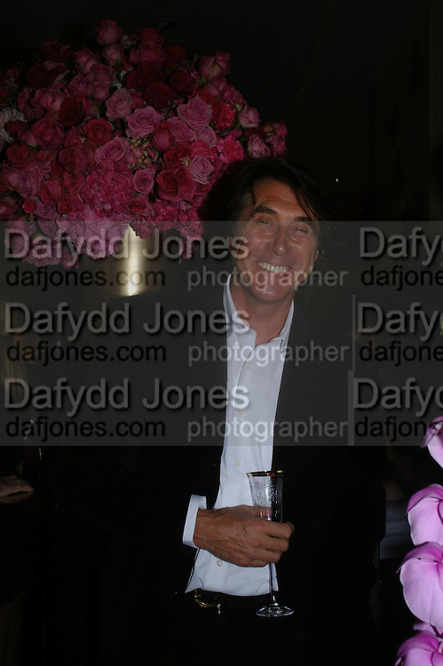 BRYAN FERRY . Selfridges Las Vegas dinner hosted by  hon Galen , Hillary Weston and Allanah Weston. Selfridges Oxford St. 20 April 2005. ONE TIME USE ONLY - DO NOT ARCHIVE  © Copyright Photograph by Dafydd Jones 66 Stockwell Park Rd. London SW9 0DA Tel 020 7733 0108 www.dafjones.com