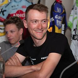 OOTMARSUM (NED) wielrennen<br /> Wielercafe in het Dorp van de Ronde Ootmarsum <br /> Wim Kleiman