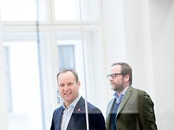 """14.10.2017, Museumsquartier, Wien, AUT, NEOS, Präsentation eines Maßnahmenpakets für kleine und mittlere Unternehmen mit dem Titel """"Freiheit statt Schikanen"""". im Bild NEOS-Klubobmann Matthias Strolz und Nationalratsabgeordneter NEOS Sepp Schellhorn // Party whip of the Austrian Liberal Party NEOS Matthias Strolz and Member of the National Council NEOS Sepp Schellhorn during media conference in Vienna, Austria on 2018/02/26. EXPA Pictures © 2018, PhotoCredit: EXPA/ Michael Gruber"""