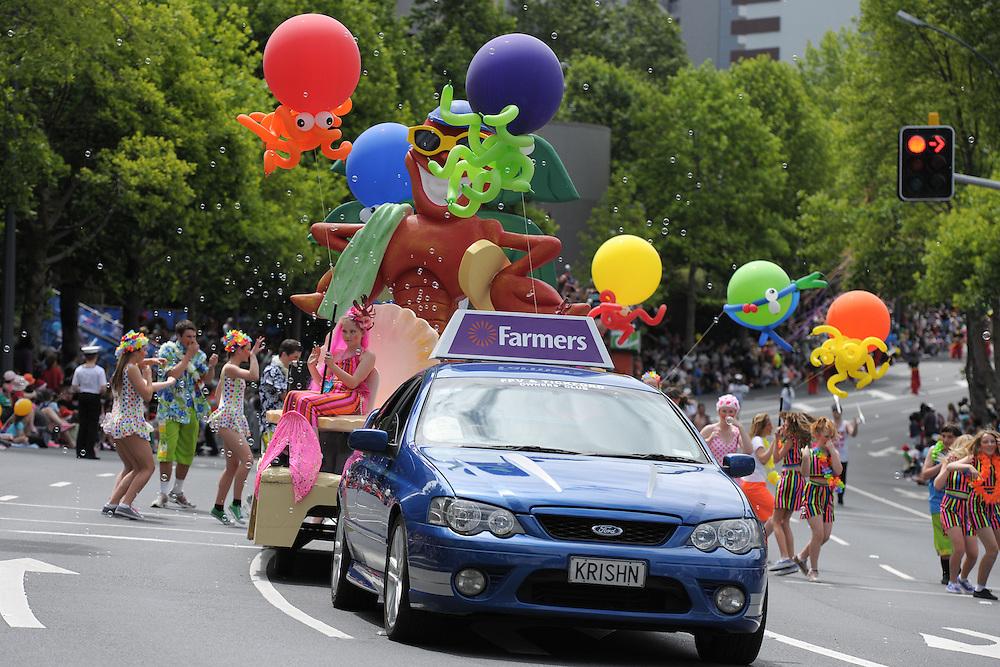Auckland Farmers Santa Parade. Queen St, Auckland. 25 November 2012.