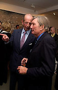 The Duke of Kent and Paul Channon, Timothy Taylor new gallery opening, Dering  St. 20 May 2003. © Copyright Photograph by Dafydd Jones 66 Stockwell Park Rd. London SW9 0DA Tel 020 7733 0108 www.dafjones.com