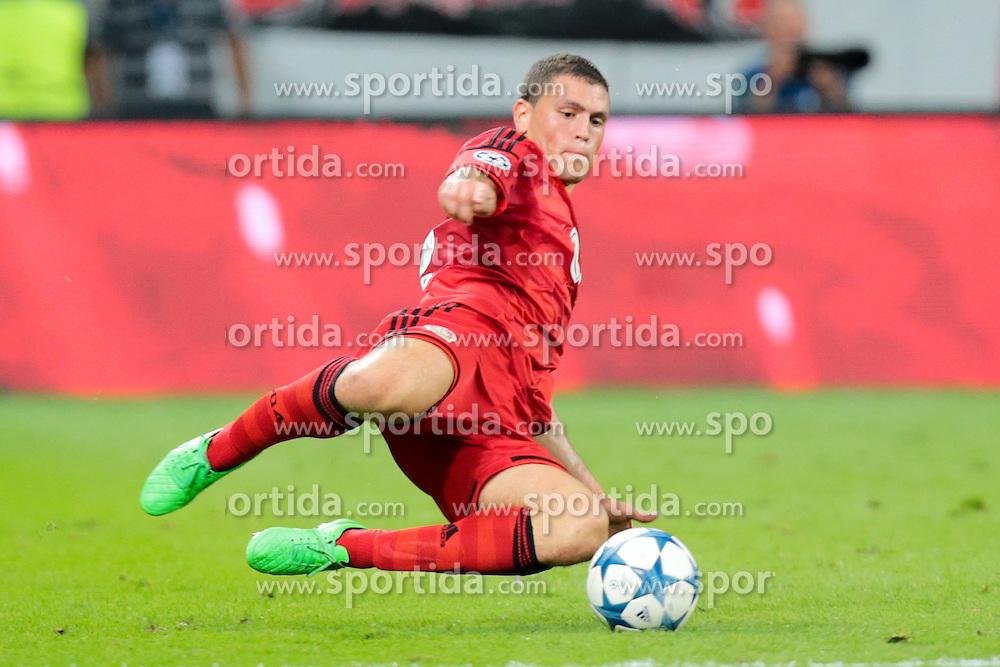 26.08.2015, BayArena, Leverkusen, GER, UEFA CL, Bayer 04 Leverkusen vs Lazio Rom, Playoff, R&uuml;ckspiel, im Bild Kyriakos Papadopoulos (#5, Bayer 04 Leverkusen) // during UEFA Champions League Playoff 2nd Leg match between Bayer 04 Leverkusen and SS Lazio at the BayArena in Leverkusen, Germany on 2015/08/26. EXPA Pictures &copy; 2015, PhotoCredit: EXPA/ Eibner-Pressefoto/ Deutzmann<br /> <br /> *****ATTENTION - OUT of GER*****