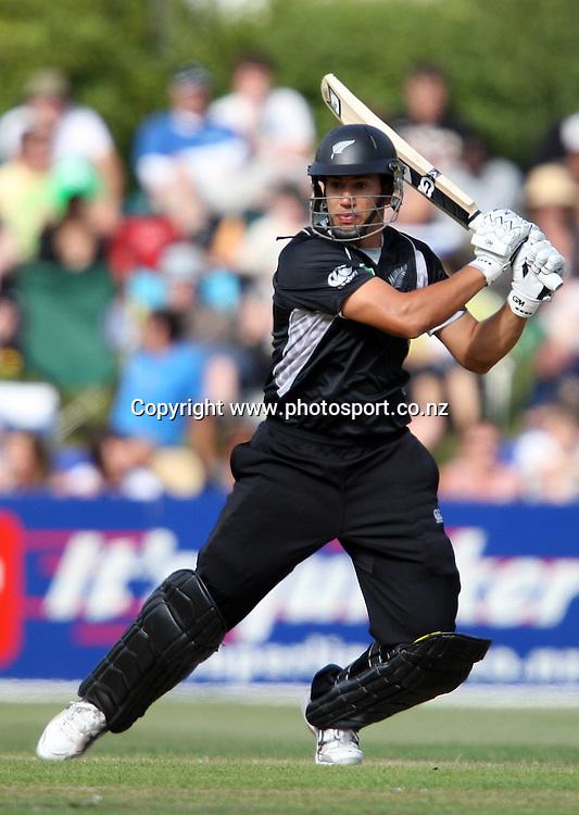 Ross Taylor on his way to scoring 50 runs.<br /> Cricket - 2nd ODI New Zealand Black Caps v Bangladesh, 8 February 2010, University Oval, Dunedin, New Zealand.<br /> International Cricket Season 2009/2010<br /> Photo: Rob Jefferies/PHOTOSPORT