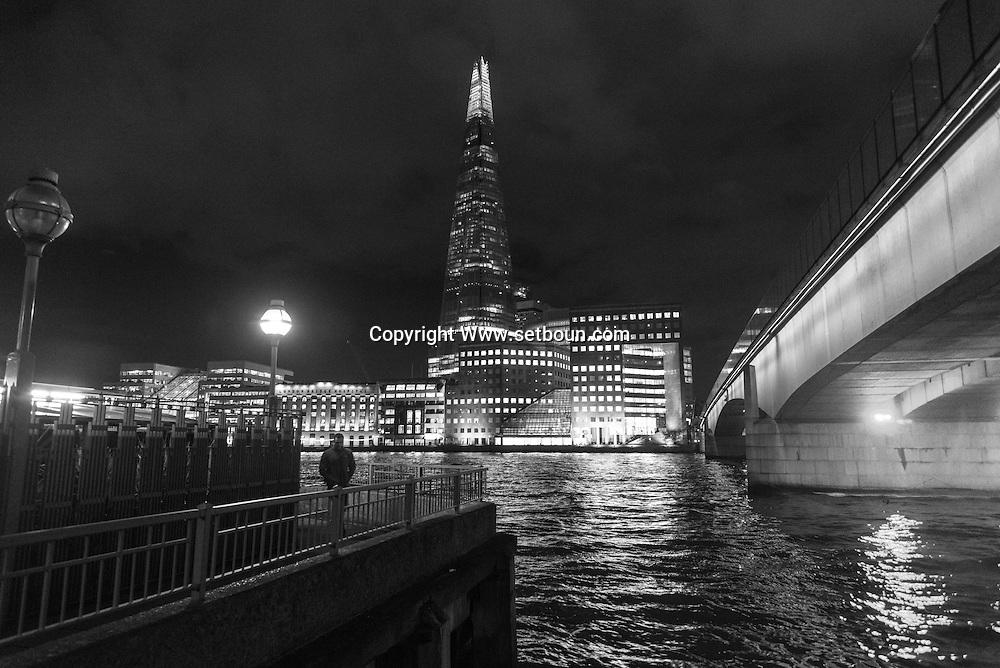 London. UK  / Londres . le pont de Londres sur la tamise Grande Bretagne