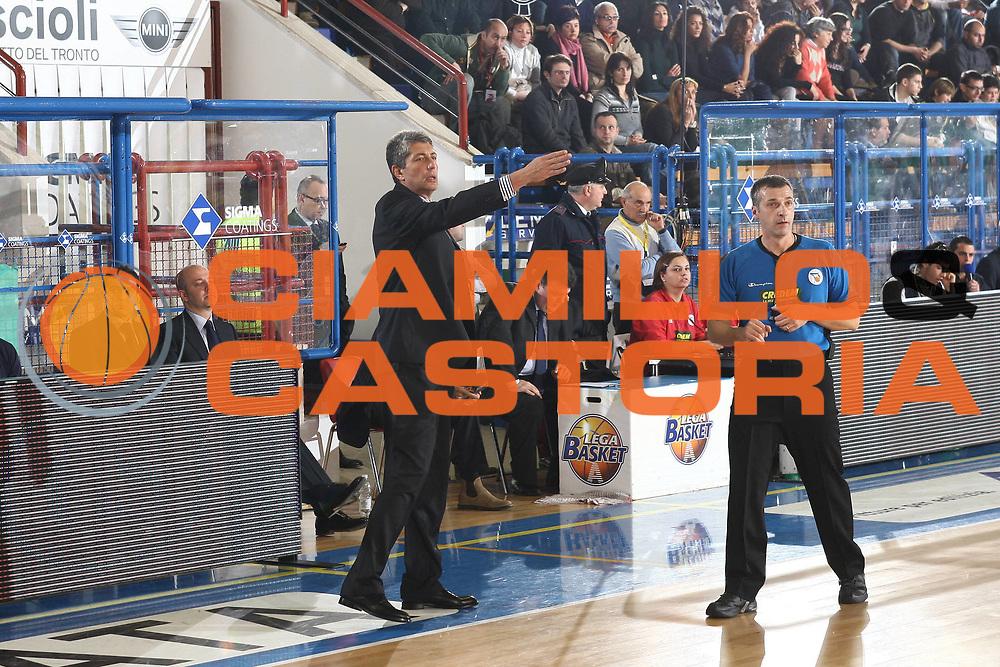 DESCRIZIONE : Porto San Giorgio Lega A 2009-10 Sigma Coatings Montegranaro Lottomatica Virtus Roma<br /> GIOCATORE : Fabrizio Frates<br /> SQUADRA : Sigma Coatings Montegranaro <br /> EVENTO : Campionato Lega A 2009-2010 <br /> GARA : Sigma Coatings Montegranaro Lottomatica Virtus Roma<br /> DATA : 06/12/2009<br /> CATEGORIA : coach<br /> SPORT : Pallacanestro <br /> AUTORE : Agenzia Ciamillo-Castoria/C.De Massis<br /> Galleria : Lega Basket A 2009-2010 <br /> Fotonotizia : Porto San Giorgio Lega A 2009-10 Sigma Coatings Montegranaro Lottomatica Virtus Roma<br /> Predefinita :
