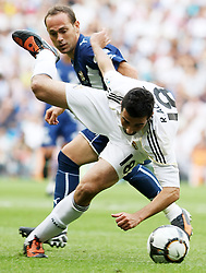 Real Madrid's Alvaro Arbeloa (f) and Tenerife's Nino during La Liga match.September 2 2009.
