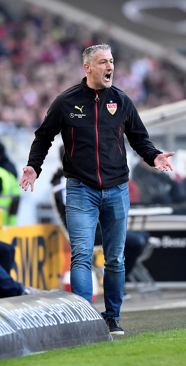27.02.2016, Mercedes Benz Arena, Stuttgart, GER, 1. FBL, VfB Stuttgart vs Hannover 96, 23. Runde, im Bild Trainer Coach Juergen Kramny VfB Stuttgart am Spielfeldrand // during the German Bundesliga 23th round match between VfB Stuttgart and Hannover 96 at the Mercedes Benz Arena in Stuttgart, Germany on 2016/02/27. EXPA Pictures &copy; 2016, PhotoCredit: EXPA/ Eibner-Pressefoto/ Weber<br /> <br /> *****ATTENTION - OUT of GER*****