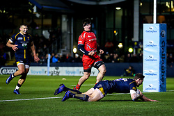 Ashley Beck of Worcester Warriors scores a try - Mandatory by-line: Robbie Stephenson/JMP - 30/11/2019 - RUGBY - Sixways Stadium - Worcester, England - Worcester Warriors v Sale Sharks - Gallagher Premiership Rugby