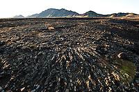 Hraun sunnan við Skjaldbreið, Tindaskagi í baksýn. Lava south of Skjaldrbreidur. Mount Tindaskagi in background.