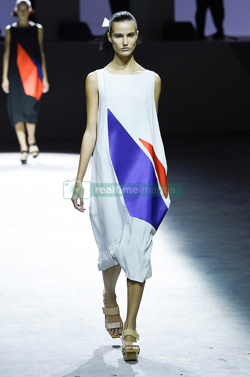 September 29, 2016 - Paris, FRANCE - Issey Miyake.MODEL ON CATWALK, WOMAN WOMEN, PARIS FASHION WEEK 2017 READY TO WEAR FOR SPRING SUMMER, DEFILE, FASHION SHOW RUNWAY COLLECTION, PRET A PORTER, MODELWEAR, MODESCHAU LAUFSTEG FRUEHJAHR SOMMER .PARSS17 (Credit Image: © PPS via ZUMA Wire)