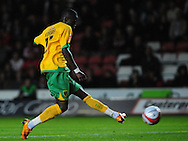 Southampton - Tuesday, September 30th, 2008: Omar Koroma of Norwich City misses with the first of two great chances early in the second half during the Coca Cola Championship match at Southampton. (Pic by Daniel Hambury/Focus Images)
