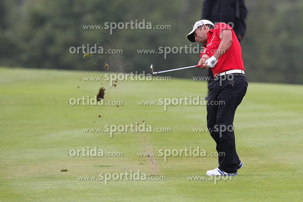 28.06.2014, Golf Club Gut Laerchenhof, Pulheim, GER, BNW International Golf Open, im Bild Pablo Larrazabal (ESP) auf dem Fairway // during the International BMW Golf Open at the Golf Club Gut Laerchenhof in Pulheim, Germany on 2014/06/28. EXPA Pictures &copy; 2014, PhotoCredit: EXPA/ Eibner-Pressefoto/ Kolbert<br /> <br /> *****ATTENTION - OUT of GER*****