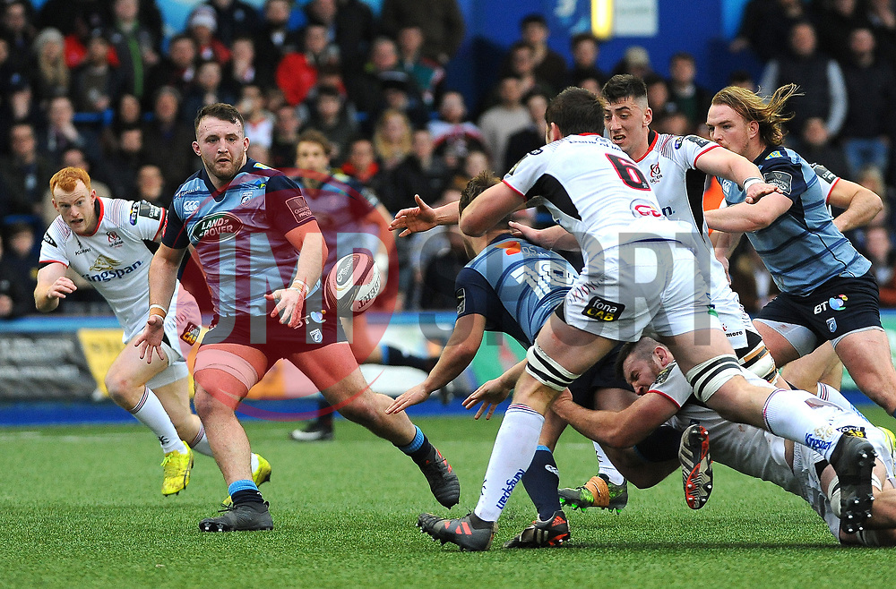 Jarrod Evans of Cardiff Blues passes the ball to Dillon Lewis of Cardiff Blues who scores the final try of the match  - Mandatory by-line: Nizaam Jones/JMP- 24/03/2018 - RUGBY - BT Sport Cardiff Arms Park- Cardiff, Wales - Cardiff Blues v Ulster Rugby - Guinness Pro 14