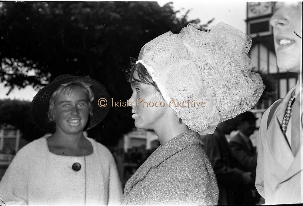 09/08/1962<br /> 08/09/1962<br /> 09 August 1961<br /> RDS Horse Show, Ballsbridge Dublin, Thursday. Breda Ferris of Church Road, Killiney, wearing hat.