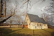 Logtun kirke, steinkirke på Frosta i Nord-Trøndelag, like ved stedet hvor Frostatinget ble holdt. Man tror at Frostatingsloven  har vært oppbevart i en kiste i kirken. Kirken har en spesiell altertavle som ble utskåret i 1652, og malt i 1655. I følge Frostatingsloven var det en kirke her allerede på slutten av 1100-tallet. Nnåværende bygning trolig oppført på 1500-tallet. Den var hovedkirke på bygda frem til 1862, da den ble nedlagt fordi det kom en ny kirke på Presthus. Kirka ble i 1903 gitt til Fortidsminneforeningen. Gjeninnviet i 1950, og blir i dag brukt til bryllup og gudstjenester.
