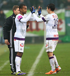 09.02.2014, Gerhard Hanappi Stadion, Wien, AUT, 1. FBL, SK Rapid Wien vs FK Austria Wien, 22. Runde, im Bild Ola Kamara, (FK Austria Wien, #92) und Philipp Hosiner, (FK Austria Wien, #16) // during a Austrian Bundesliga Football 22nd round match between SK Rapid Vienna and FK Austria Vienna at the Gerhard Hanappi Stadion, Wien, Austria on 2014/02/09. EXPA Pictures © 2014, PhotoCredit: EXPA/ Thomas Haumer