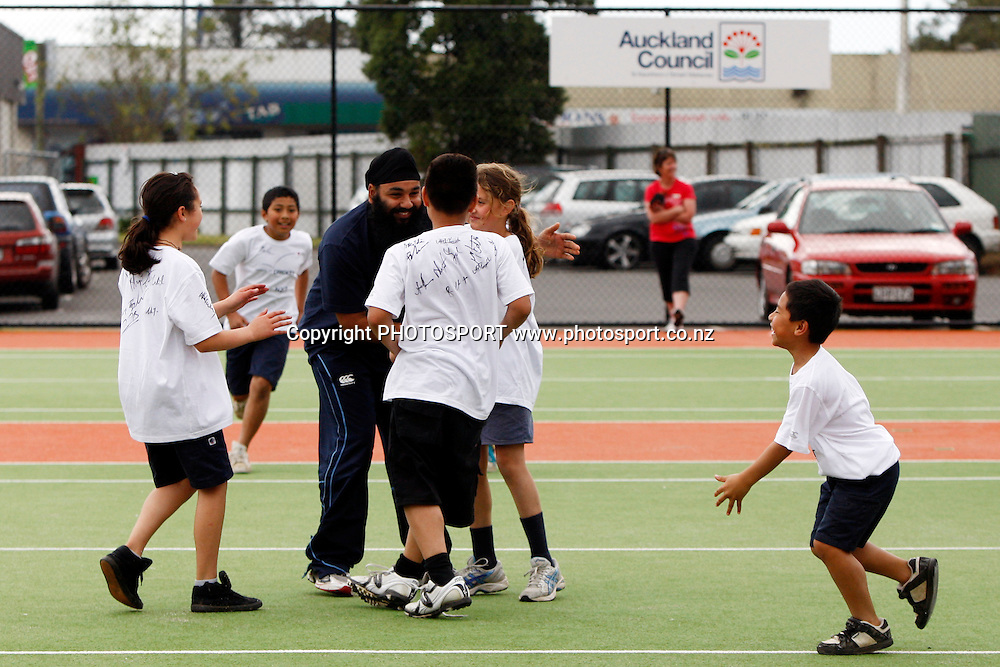 New Zealand Cricket Players Association (NZCPA) School kids day at Papatoetoe Sports Center. Wednesday 5 October 2011. Photo: Ella Brockelsby/photosport.co.nz