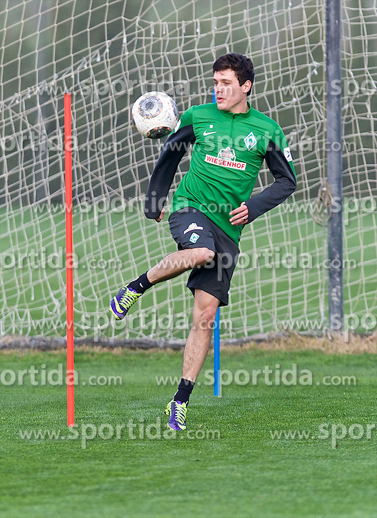 11.01.2014, Trainingsplatz, Jerez de la Frontera, ESP, 1. FBL, SV Werder Bremen, Trainingslager, im Bild Zlatko Junuzovic (Bremen #16) beim Training mit Ball // Zlatko Junuzovic (Bremen #16) beim Training mit Ball during Trainingsession of German Bundesliga Club SV Werder Bremen at Trainingsplatz in Jerez de la Frontera, Spain on 2014/01/11. EXPA Pictures © 2014, PhotoCredit: EXPA/ Andreas Gumz<br /> <br /> *****ATTENTION - OUT of GER*****