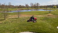 HALFWEG  - AGC , Amsterdamse Golf Club, maaien van de rough. hole 4. COPYRIGHT KOEN SUYK