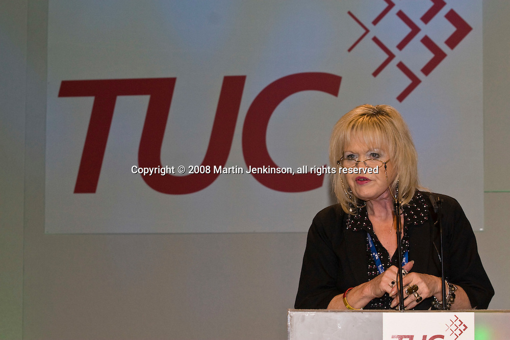 Nina Franklin, NUT, speaking at the TUC Conference 2008..© Martin Jenkinson, tel 0114 258 6808 mobile 07831 189363 email martin@pressphotos.co.uk. Copyright Designs & Patents Act 1988, moral rights asserted credit required. No part of this photo to be stored, reproduced, manipulated or transmitted to third parties by any means without prior written permission