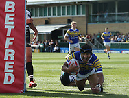 Ashton Golding of Leeds Rhinos dives over to score the try against London Broncos during the Super 8s Qualifiers match at Trailfinders Sports Club, Ealing<br /> Picture by Stephen Gaunt/Focus Images Ltd +447904 833202<br /> 19/08/2018