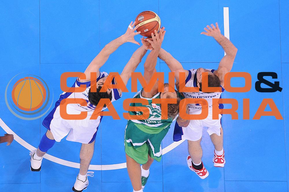 DESCRIZIONE : Torino Coppa Italia Final Eight 2012 Quarti Di Finale Bennet Cantu Sidigas Avellino<br /> GIOCATORE : Giorgi Shermadini Mattia Soloperto<br /> CATEGORIA : special rimbalzo<br /> SQUADRA : Bennet Cantu Sidigas Avellino<br /> EVENTO : Suisse Gas Basket Coppa Italia Final Eight 2012<br /> GARA : Bennet Cantu Sidigas Avellino<br /> DATA : 17/02/2012<br /> SPORT : Pallacanestro<br /> AUTORE : Agenzia Ciamillo-Castoria/C.De Massis<br /> Galleria : Final Eight Coppa Italia 2012<br /> Fotonotizia : Torino Coppa Italia Final Eight 2012 Quarti Di Finale Bennet Cantu Sidigas Avellino<br /> Predefinita :