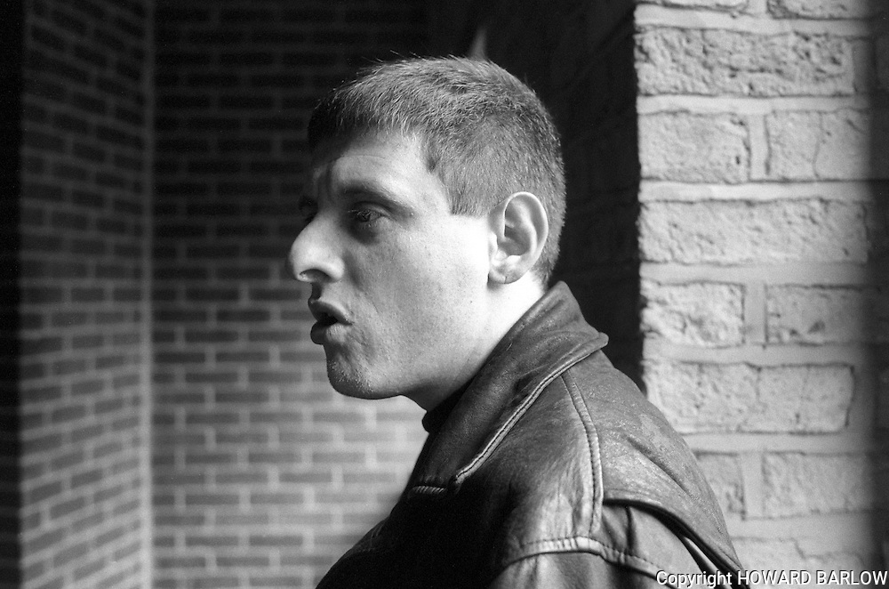 PHOTOGRAPH BY HOWARD BARLOW.SHAUN RYDER Happy MONDAYS singer at FACTORY RECORDS.MANCHESTER  FACTORY RECORDS  25 SEPTEMBER 1992