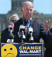 8/16/06 Des Moines. IASen. Joseph Biden speaks at an anti Wal Mart event in Des Moines Wednesday afternoon. (Chris Machian/Prairie Pixel Group)