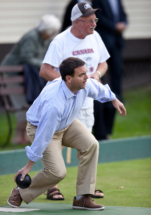 Ontario PC leader Tim Hudak bowls during a campaign stop at the Stratford Lawn Bowling club in Stratford, Ontario, Wednesday, September 14, 2011.<br /> THE CANADIAN PRESS/ Geoff Robins